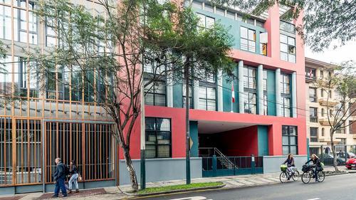 Street view of San Martín Avenue