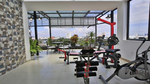 Small gym and fitness on the rooftop