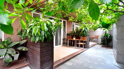 Outside view of Minh Ha Apartments by CityHouse Apartment