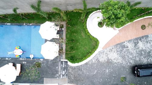 SG Garden Hill offers a private swimming pool in the alley