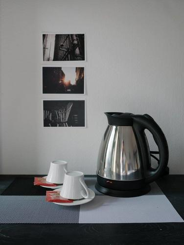 Kettle, coffee and cups