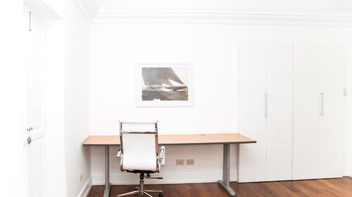 Large laptop-friendly workdesk with office chair