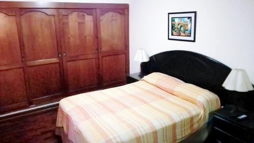 El Lugar De Rosalinda Three Bedrooms Apartment