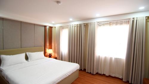 Le Thanh Ton Apartments Front Units