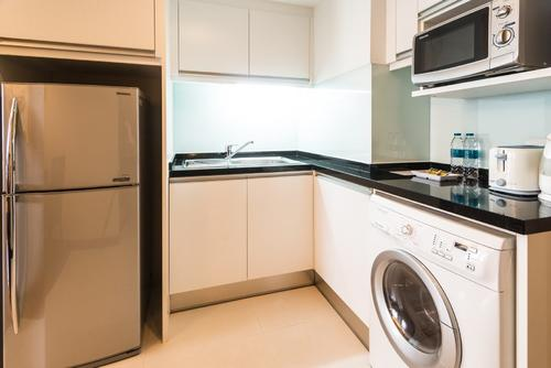 Well equipped kitchen with appliances